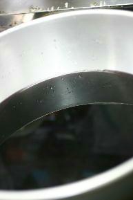 煮出し後は真っ黒